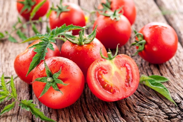 frest tomatoes for Mediterranean diet